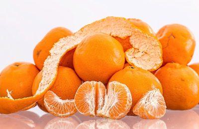 ประโยชน์ของผลไม้ตามสูตรสีผิวของเขา โดย Rany
